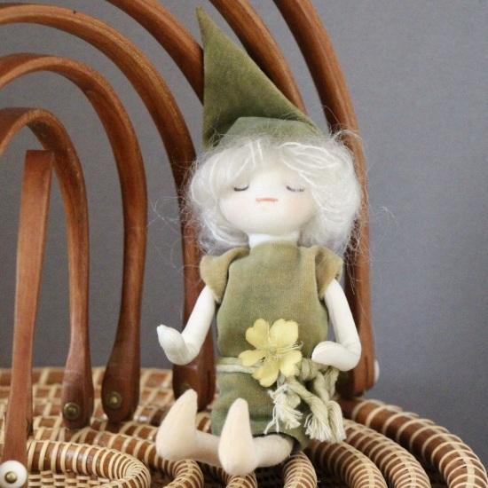 海外のお土産人形色々とラウンドネスト_f0197215_08542327.jpeg