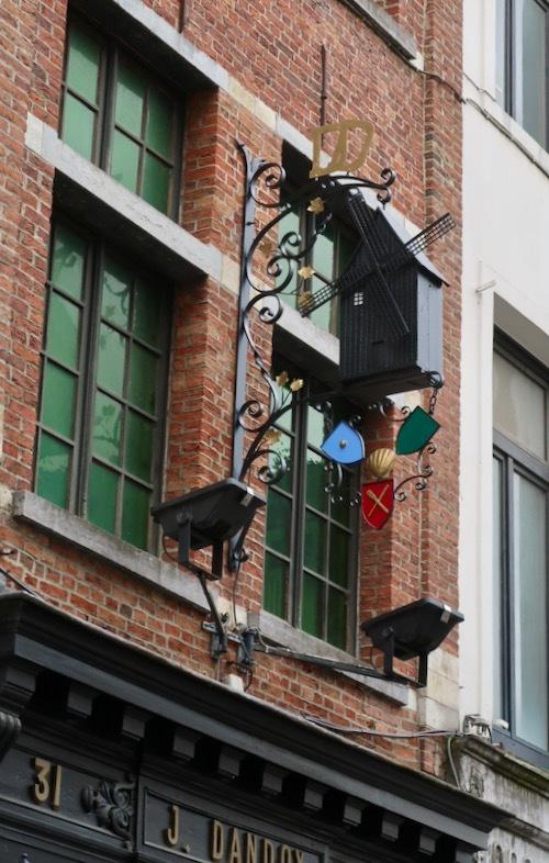 1829年創業 ベルギーの老舗ビスケット店 ダンドワ_f0380234_02424998.jpeg