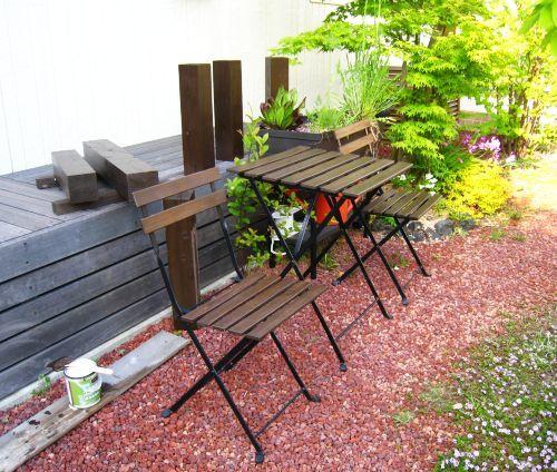 テーブルとチェアの塗装_b0170184_22390378.jpg
