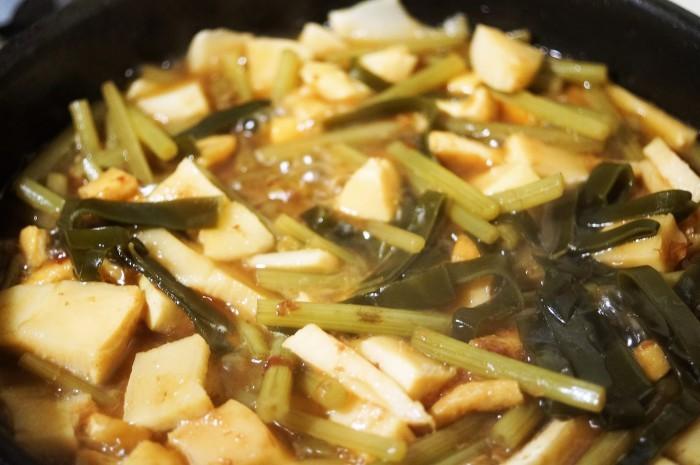 ■晩ご飯のおかず【竹の子と菜園蕗の甘辛炒め煮とスナップエンドウの卵綴じスープ】_b0033423_22561505.jpg