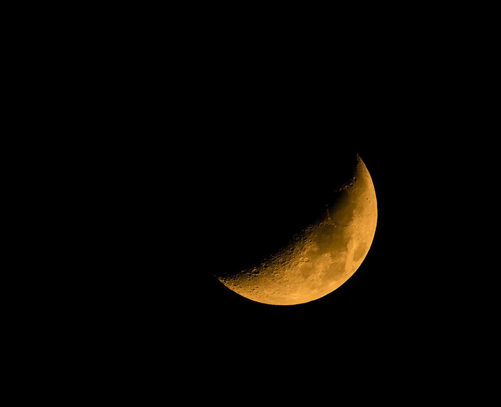 月齢6の月とスカイツリー_f0324026_01560650.jpg
