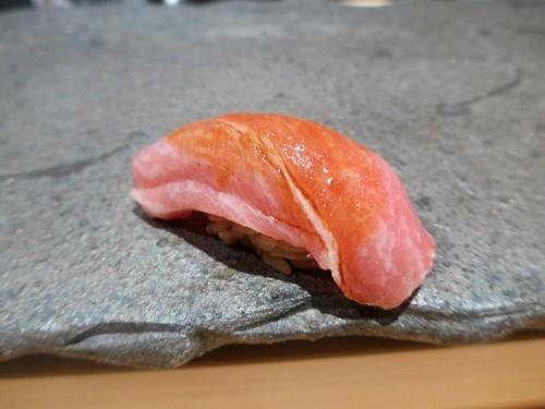 渋谷「熟成鮨 万」へ行く。_f0232060_12223113.jpg