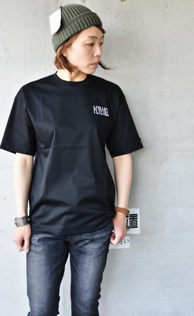 DUVETICA  NEW  Limited S/S TEE_d0152280_11190805.jpg