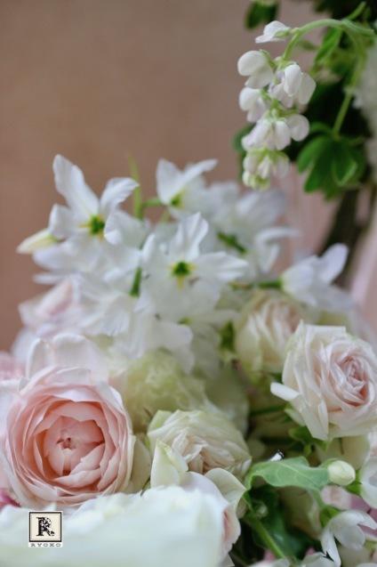 「ちょうど記念日なので、」とサプライズの贈り物のお花_c0128489_18172673.jpg