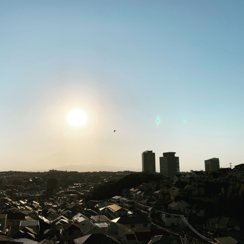 上大岡小学校前からの光景。_a0112393_12561773.jpg