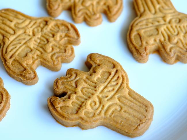 「縄文土器クッキーを焼きました」_a0000029_08590828.jpg