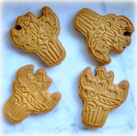 「縄文土器クッキーを焼きました」_a0000029_09033270.jpg