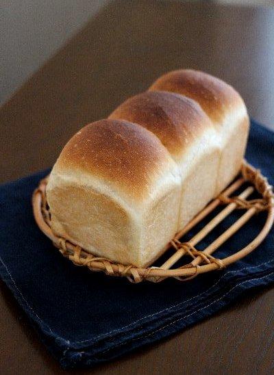 「1時間半でできる!食パン作り*レッスン~通信講座~」本日スタートです。_f0224568_10150181.jpg