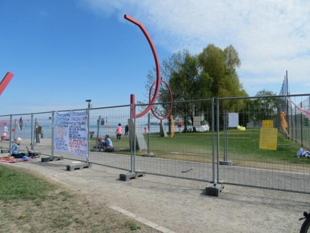 2つのフェンスで隔たれた国境 ドイツ&スイス_c0211876_05065632.jpg