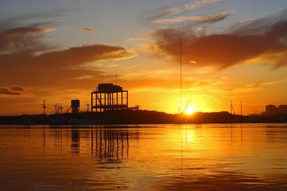 夕暮れの漁港   2020-05-22 更新_e0229455_13241748.jpg