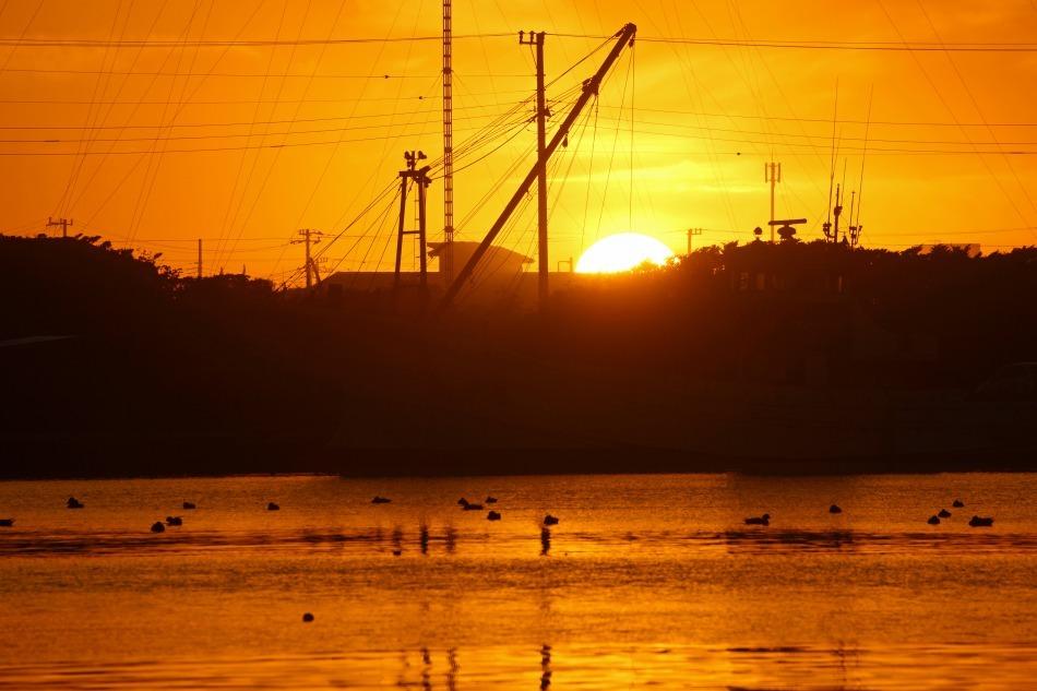夕暮れの漁港   2020-05-22 更新_e0229455_13242373.jpg