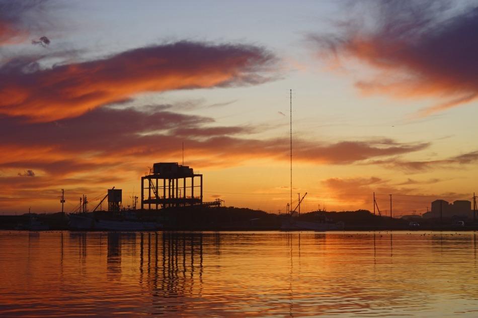 夕暮れの漁港  2020ー06‐13 更新_e0229455_14213738.jpg