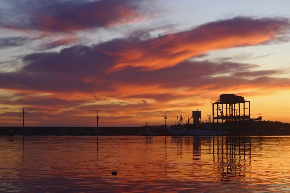 夕暮れの漁港  2020ー06‐13 更新_e0229455_14215297.jpg
