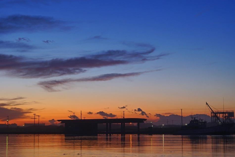 夕暮れの漁港  2020ー06‐13 更新_e0229455_14221301.jpg