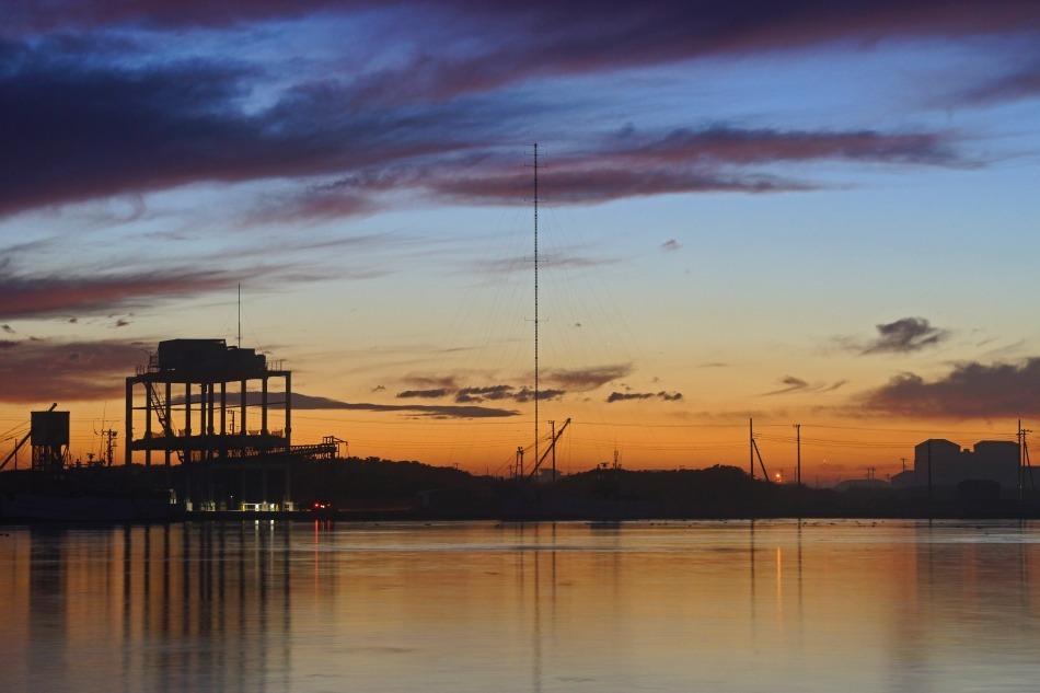 夕暮れの漁港  2020ー06‐13 更新_e0229455_14222123.jpg