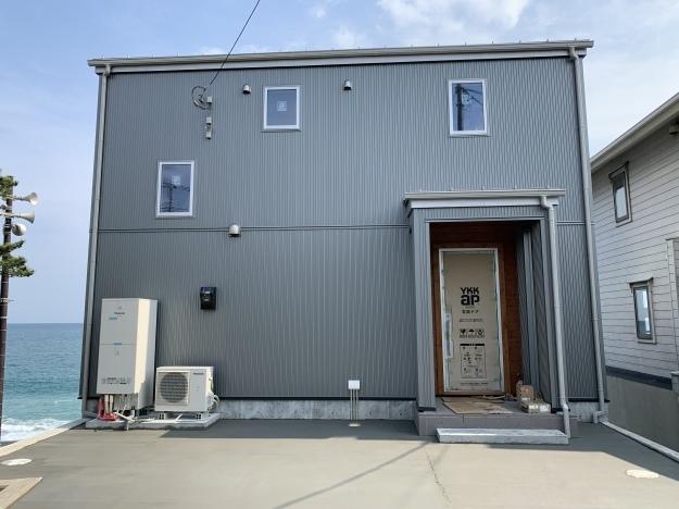 お隣で建築中の木の家_c0232909_01145422.jpg