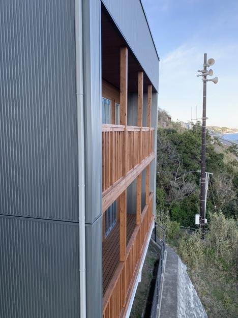 お隣で建築中の木の家_c0232909_01525602.jpg