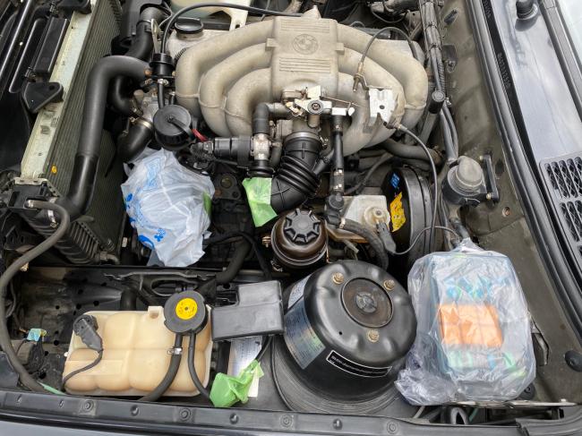 BMW E30エンジンルーム掃除2回目_f0115152_20495241.jpg