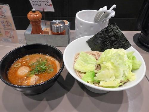 新宿「つけ麺 五ノ神製作所」へ行く。_f0232060_1283346.jpg