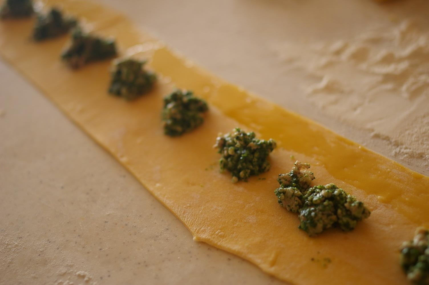ほうれん草とチーズのラビオリを作ってみる_d0327373_19584970.jpg