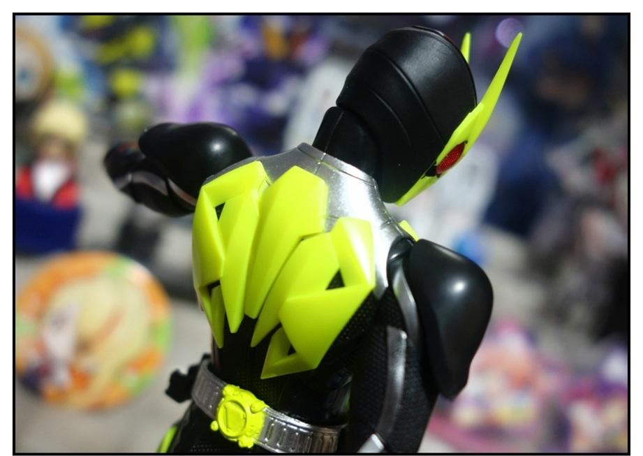 S.H.Figuarts 仮面ライダーゼロワン ライジングホッパーで遊びまくり!!_f0205396_17515283.jpg