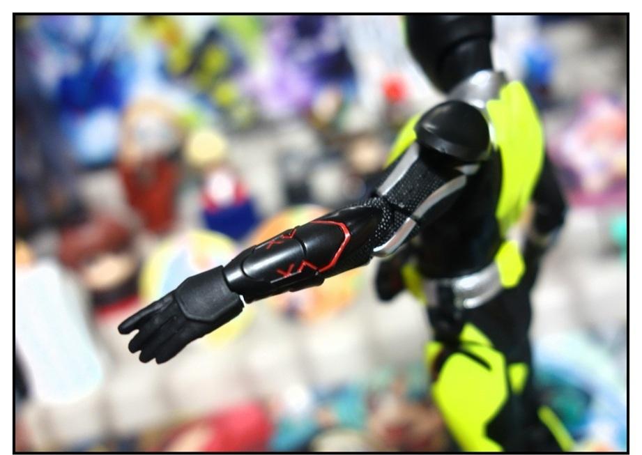 S.H.Figuarts 仮面ライダーゼロワン ライジングホッパーで遊びまくり!!_f0205396_17515297.jpg