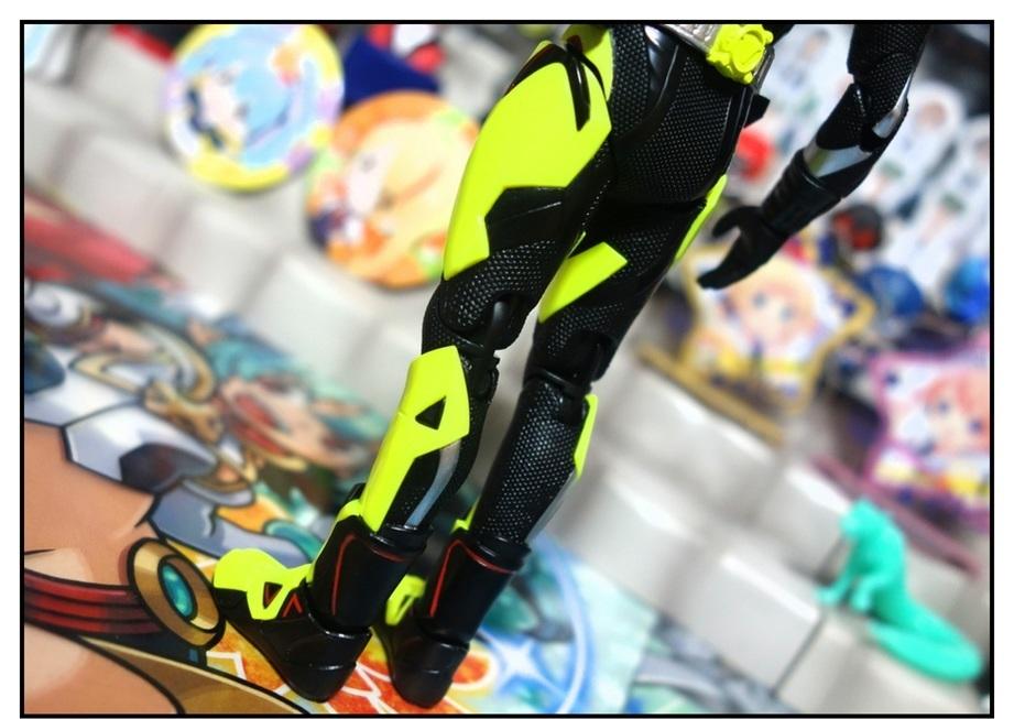 S.H.Figuarts 仮面ライダーゼロワン ライジングホッパーで遊びまくり!!_f0205396_17524617.jpg