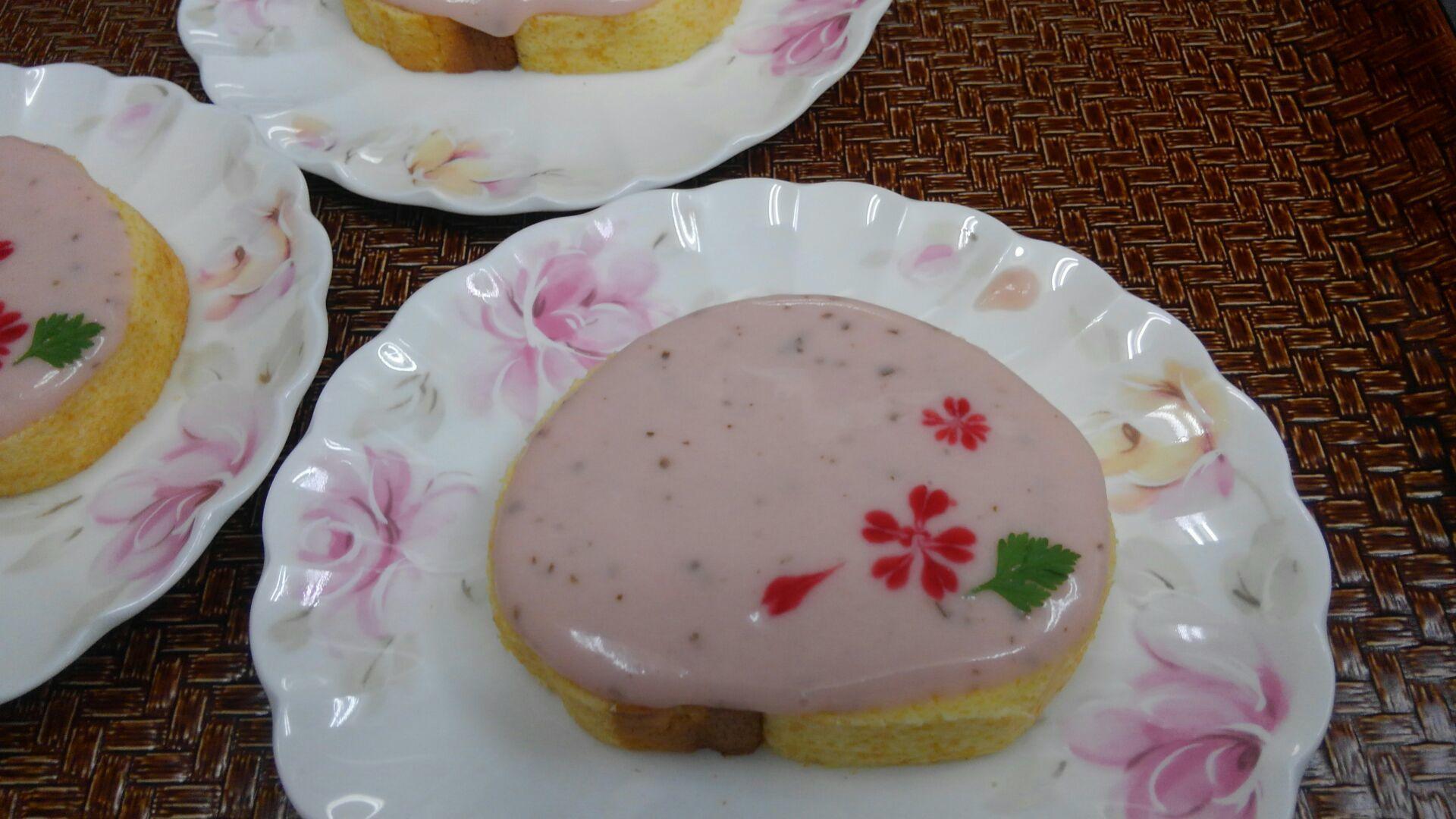 桜のロールケーキ_b0251421_15251281.jpg