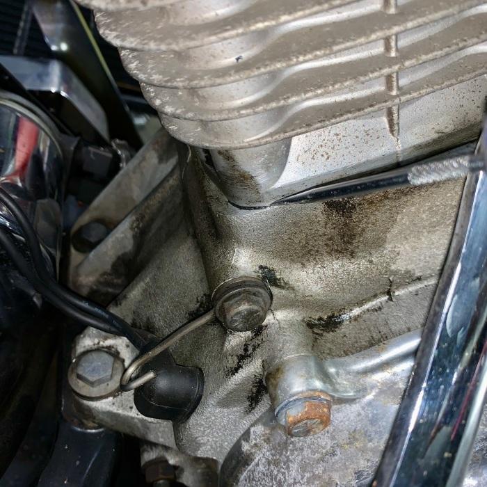 昭和63年製 ヘリテイジソフテイル エンジンオイル漏れ_c0226202_20550249.jpeg
