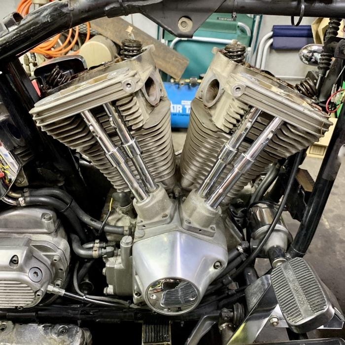 昭和63年製 ヘリテイジソフテイル エンジンオイル漏れ_c0226202_20552249.jpeg