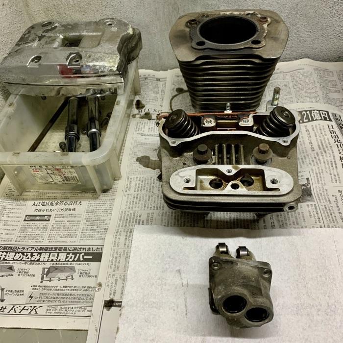 昭和63年製 ヘリテイジソフテイル エンジンオイル漏れ_c0226202_20554110.jpeg