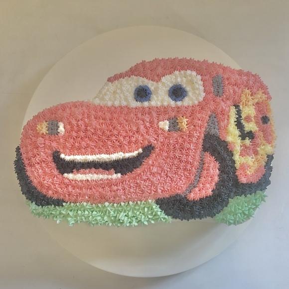 カーズのマックイーンのケーキ_e0335721_16111237.jpeg