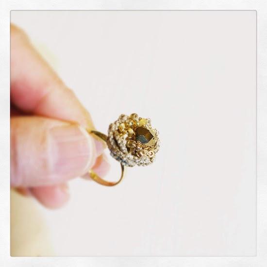 金の花と銀の花。そしてヴォーグ学園休校延長でござる。_f0089355_00584854.jpg