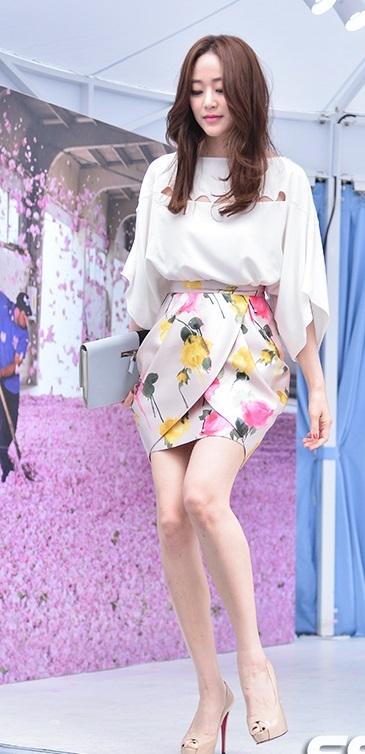 【最新グラビア】女優 キム・ヒョジン【旦那はユ・ジテ】_f0158064_21193818.jpg