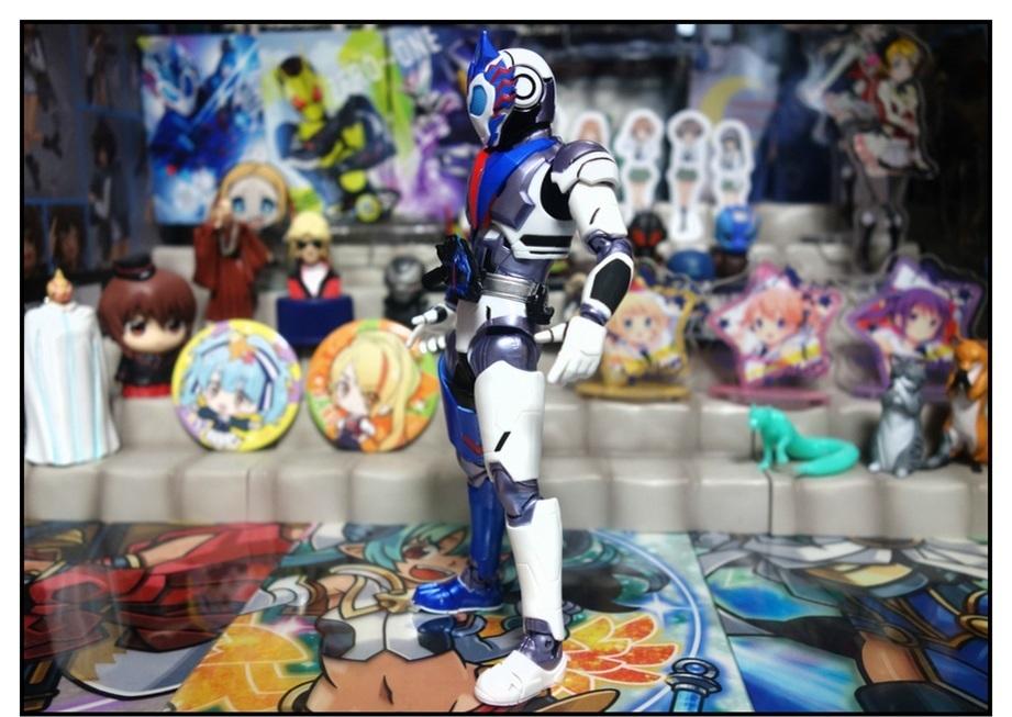 S.H.Figuarts 仮面ライダーバルカン シューティングウルフで遊びまくり!!_f0205396_00050198.jpg