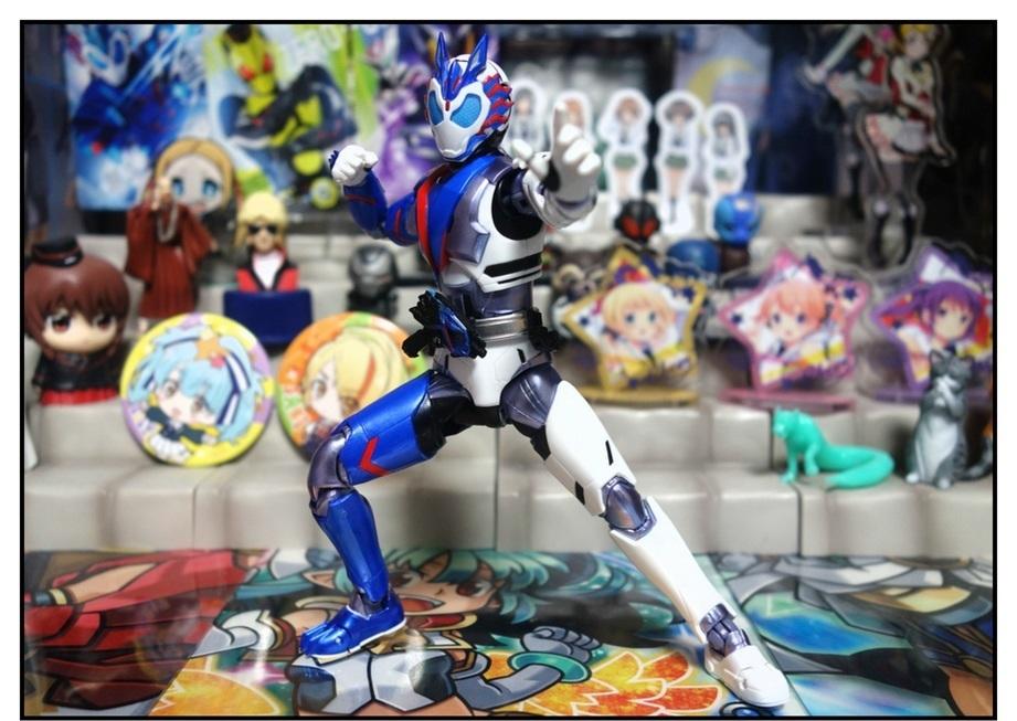 S.H.Figuarts 仮面ライダーバルカン シューティングウルフで遊びまくり!!_f0205396_00055671.jpg