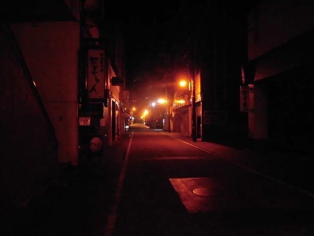 4/29~5/6の休業要請期間中の吉原の街 人と車がいない裏通りと市営駐車場_f0141310_08042557.jpg