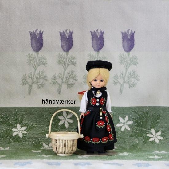 海外のお土産人形とミニラウンド色々_f0197215_11310094.jpeg