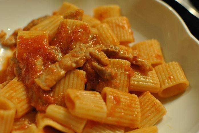 料理に使うならペコリーノ・ロマーノがイイ_b0129725_16160831.jpg