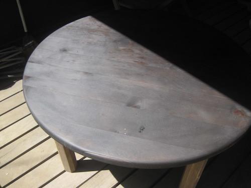 外テーブルの塗装_f0053164_13254302.jpg