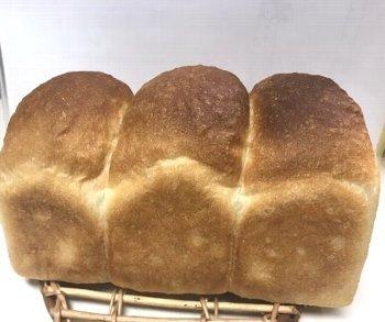 「食パン焼きました!」ショット_f0224568_20320573.jpg
