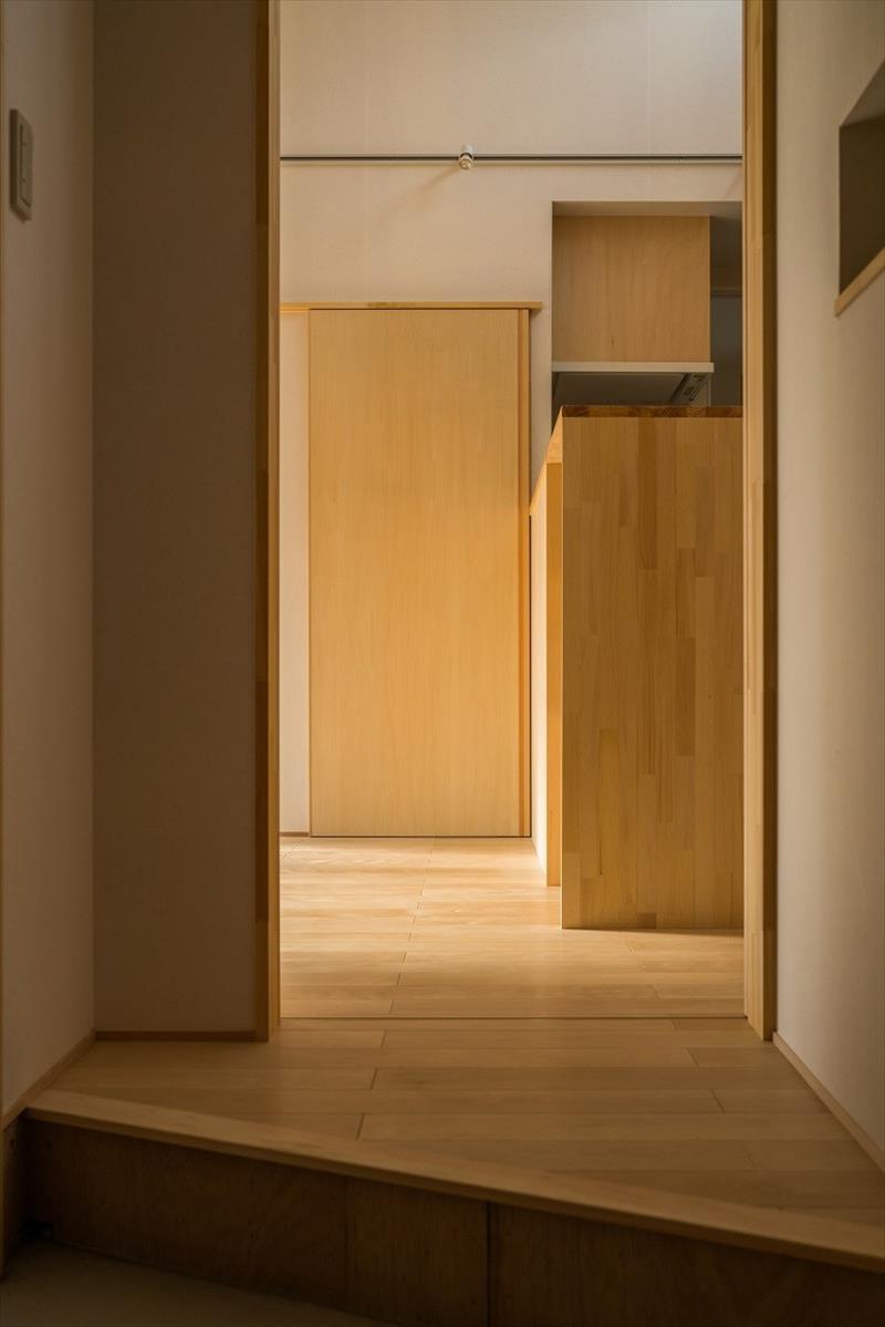 光の入り方と居心地の良い空間_b0349892_09393354.jpg