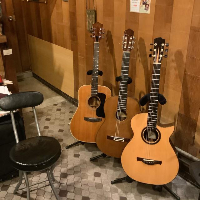 今日もギターレッスンは粛々と続く。_a0334793_13104987.jpg