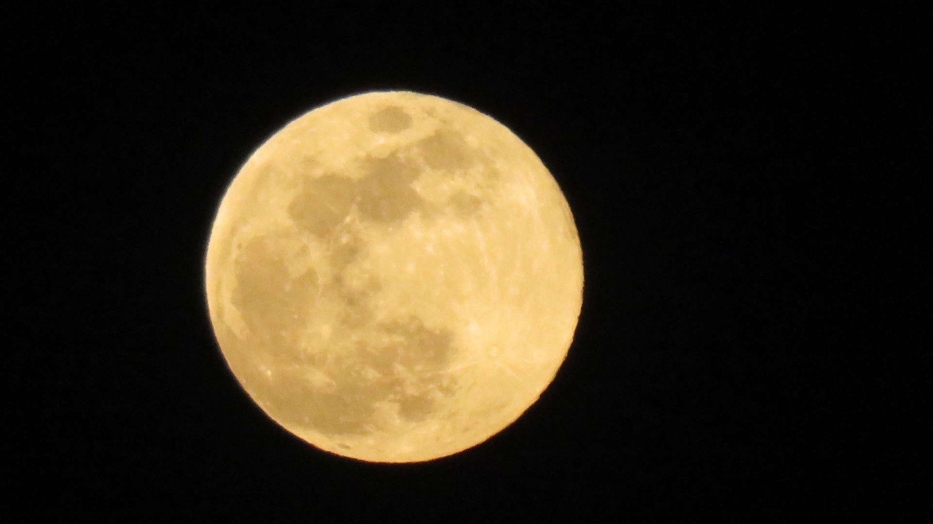 満月_f0204295_19191209.jpg