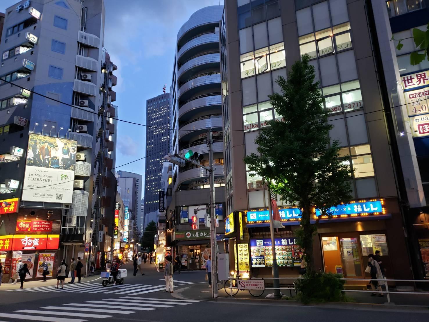 画像提供 信号を渡った本屋さん跡地から見た風景@西新宿_b0042308_02475169.jpg