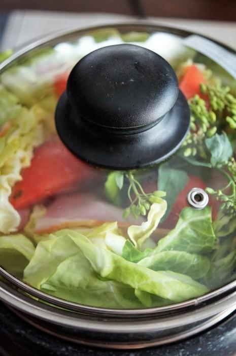 ■昼ご飯【キャベツとベーコンのミルフィーユ蒸し】タレは豆腐入り胡麻マヨポン酢で♪_b0033423_23483566.jpg