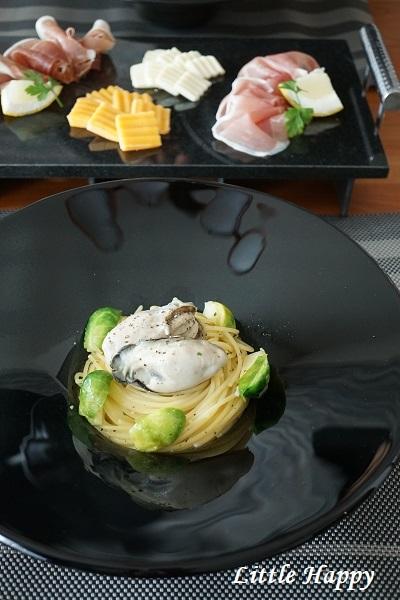 旨味逃さず!殻つき牡蠣で作るオイルパスタ_d0269651_16541958.jpg
