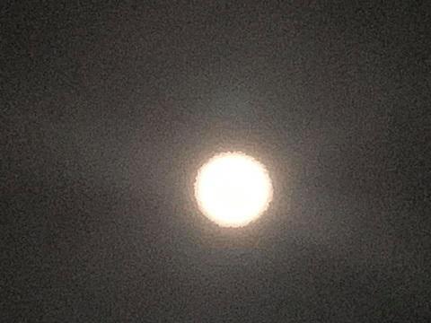 満月だね~_e0040673_18010614.jpg