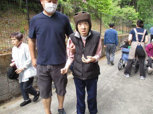5/8 散歩_a0154110_09111621.jpg
