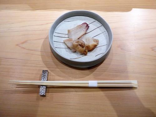 渋谷「熟成鮨 万」へ行く。_f0232060_1921079.jpg